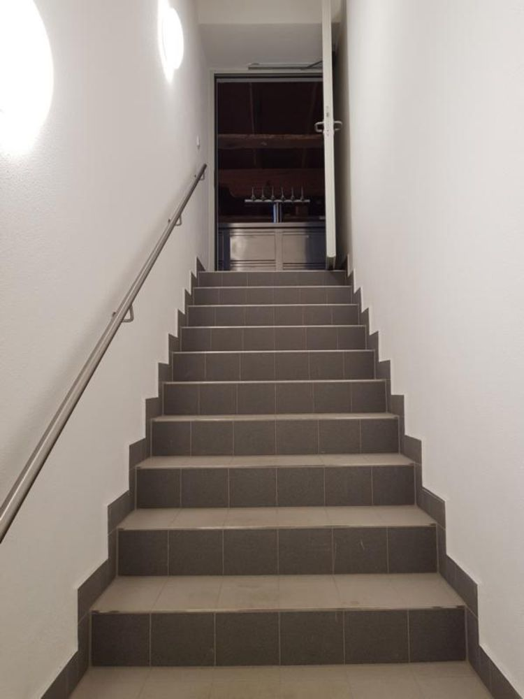lowFliesen sind einfach die beste Variante auch für gewerbliche Treppenlösungen