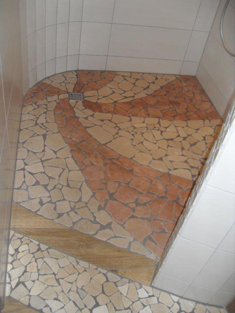 lowNatursteinmosaik ist einfach schön für Ihre Saunadusche